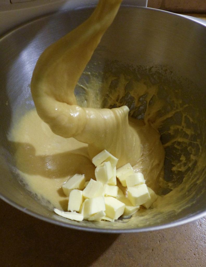 pétrissage pâte à babka
