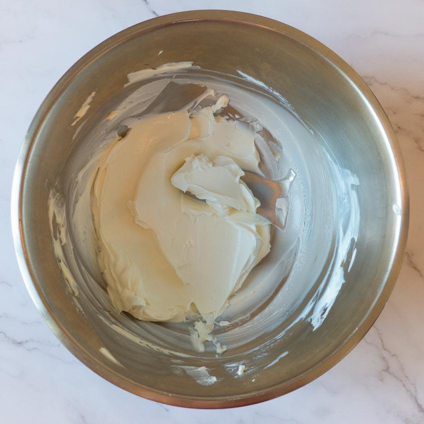 Préparation appareil à cheesecake aux framboises sans cuisson