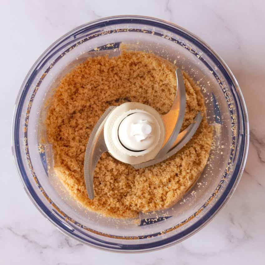 Préparation base cheesecake aux framboises sans cuisson