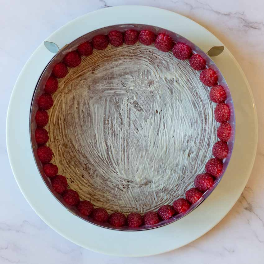 Montage cheesecake aux framboises sans cuisson