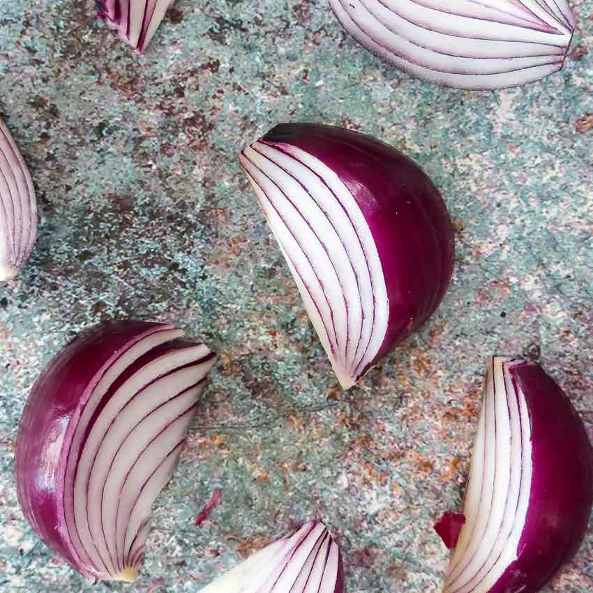 Oignons rouges pour Potimarron rôti aux lentilles et au gorgonzola