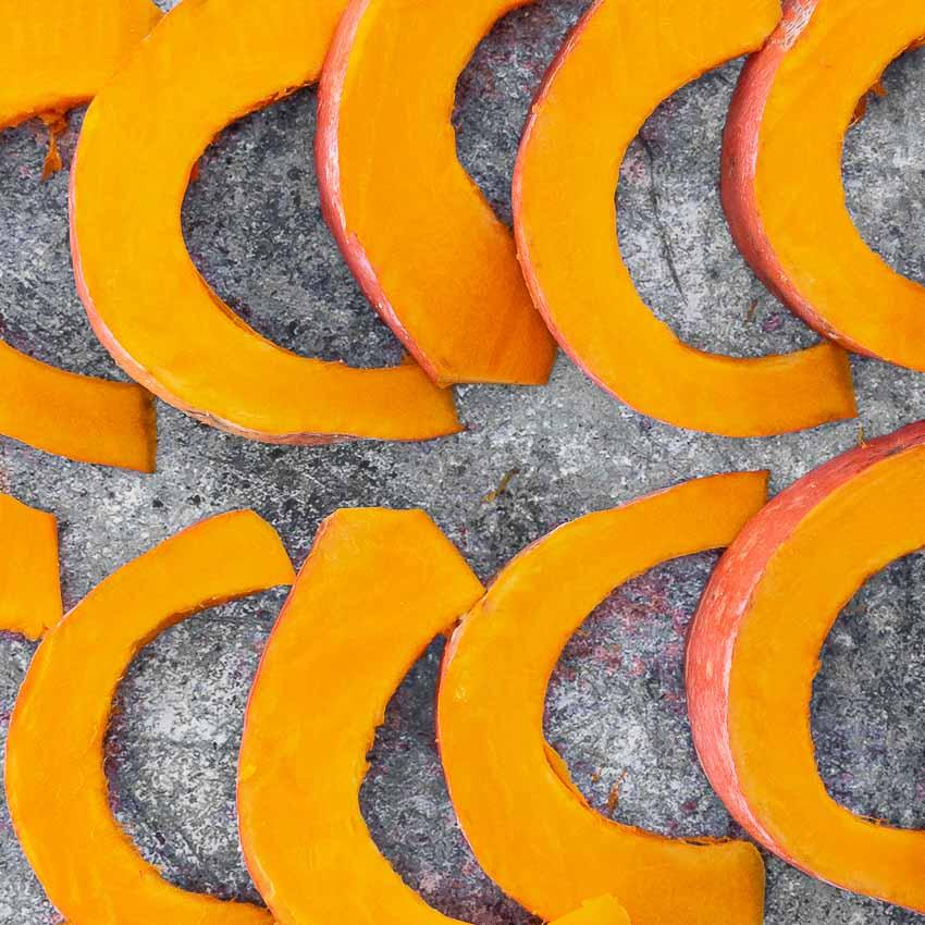 Segments de potimarron pour Potimarron rôti aux lentilles et au gorgonzola